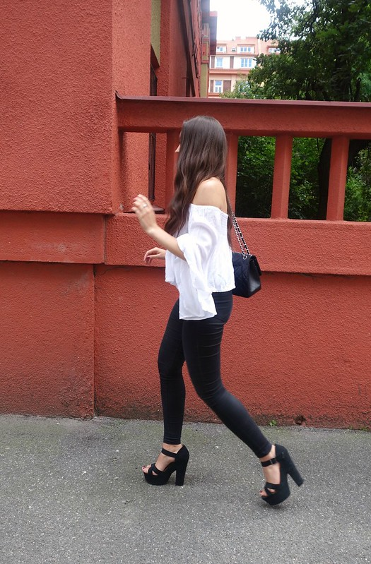 vernikad outfit offshoulder