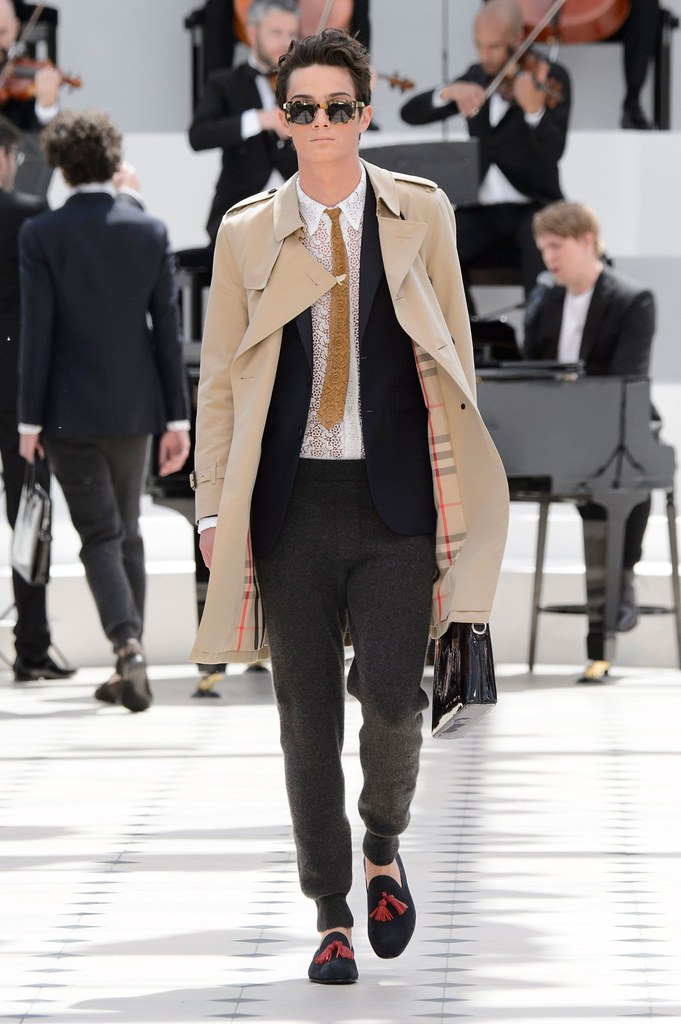 SS16 London Burberry Prorsum004_Oli Green(fashionising.com)