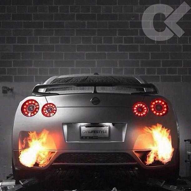 Nissan Gtr Flames Exhaust Thiago Rom 227 O Flickr