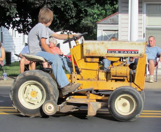 Old Cub Cadet Mowers : Old cub cadet tractors related keywords