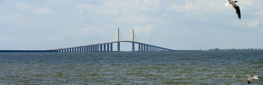 Sunshine skyway bridge view from south skyway fishing for Sunshine skyway fishing pier