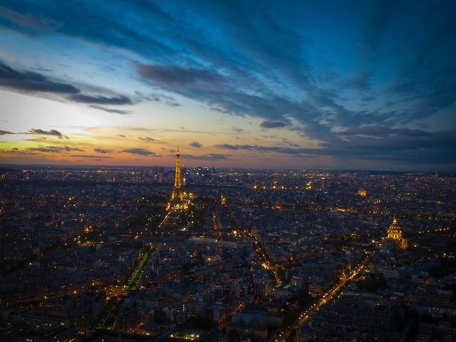 Vue de montparnasse sur paris longue pose depuis for Piscine montparnasse