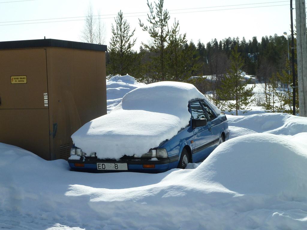 Mazda Millenia White Snow Milly Logbook: MAZDA 626 2-D COUPE LX 1985 304226km