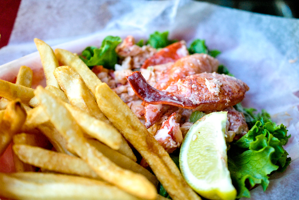 Lobster Roll | Maine lobster knuckles and claw meat in a lig… | Flickr