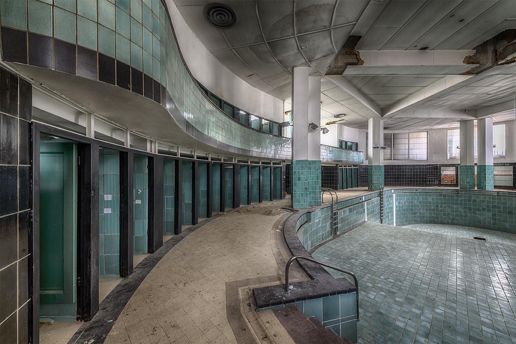 Urbex Art Deco Pool A Small But Beautiful Pool In Art