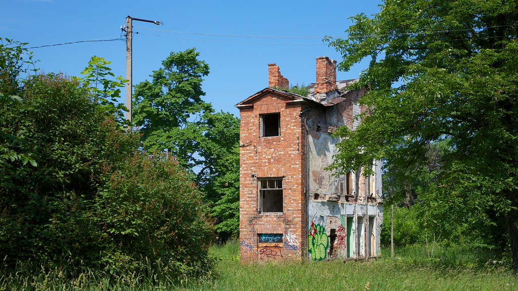 Single Family House Great Location Slight Repairs Needed