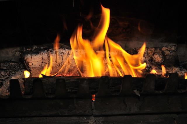 Chemin e feu de bois flickr photo sharing - Cheminee feu de bois insert ...