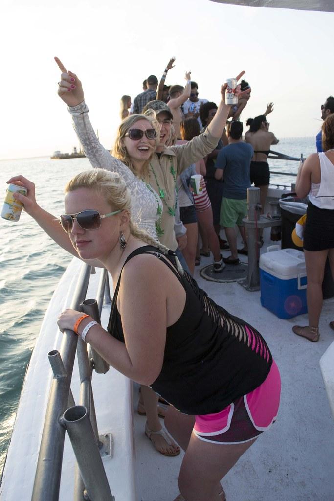 Inertia Tours Spring Break 2014 Beach & Party Boat Day Pho ...