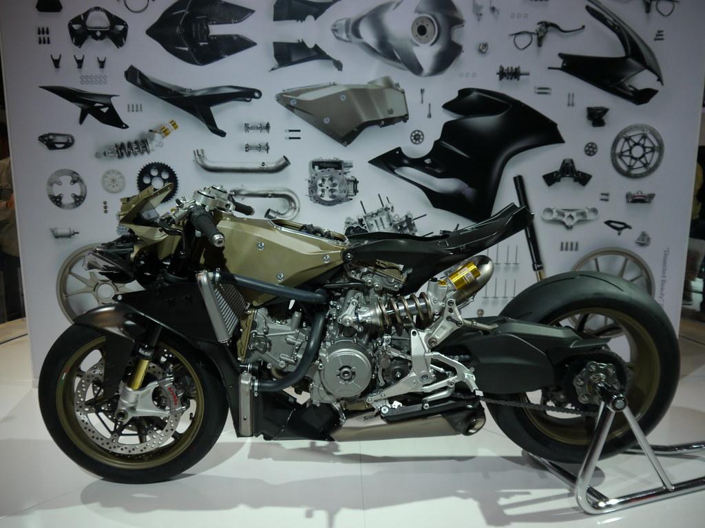 Ducati  Superleggera Power To Weight Ratio