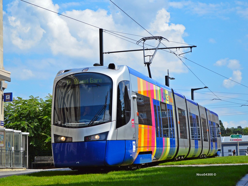 Tram-train Siemens Avanto | Flickr - Photo Sharing!: https://www.flickr.com/photos/nico54300/10725230574