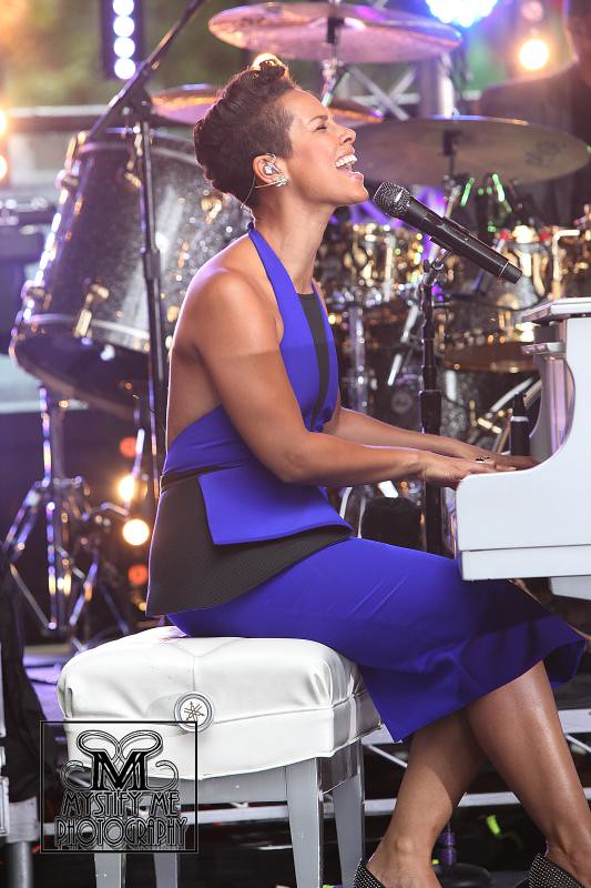 Alicia Keys - Magazine cover