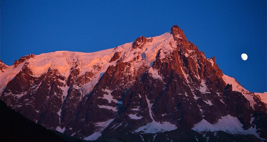 Photo montagne massif du mont blanc coucher de soleil au flickr - Photo coucher de soleil montagne ...