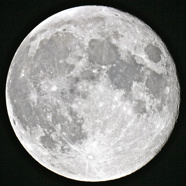 Earth S Only Natural Satellite