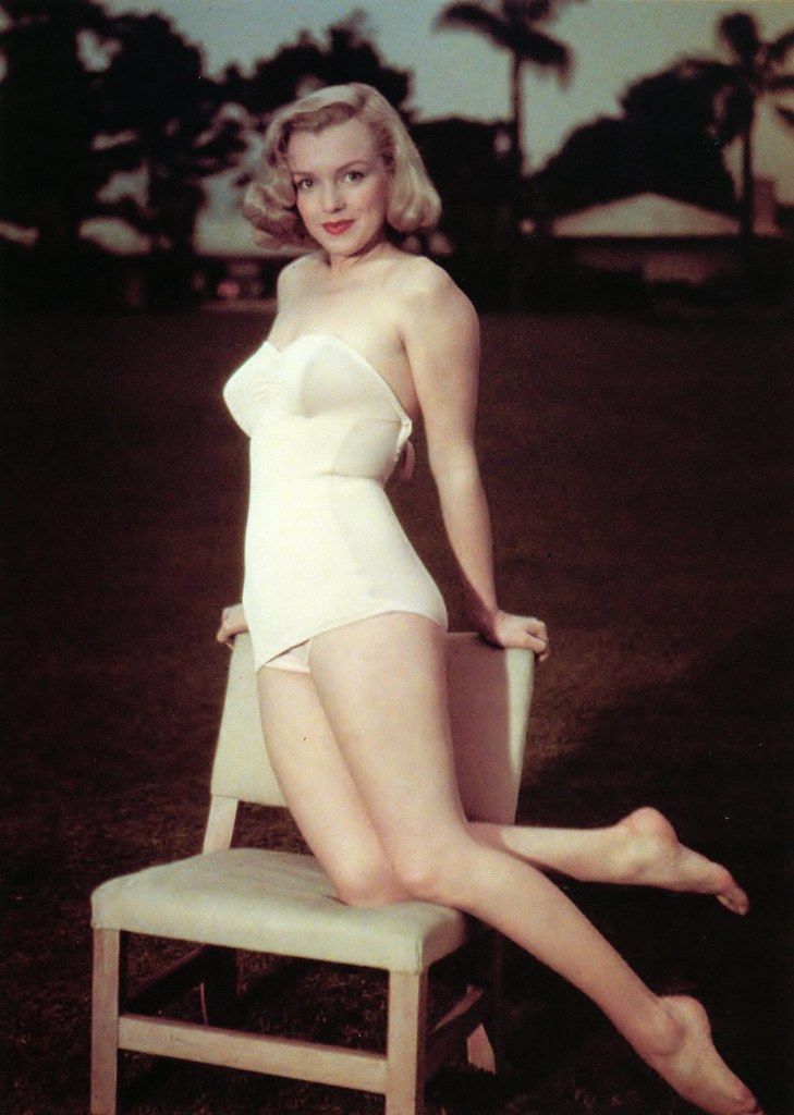 Marilyn Monroe posando en traje de baño  Antonio Marín ...