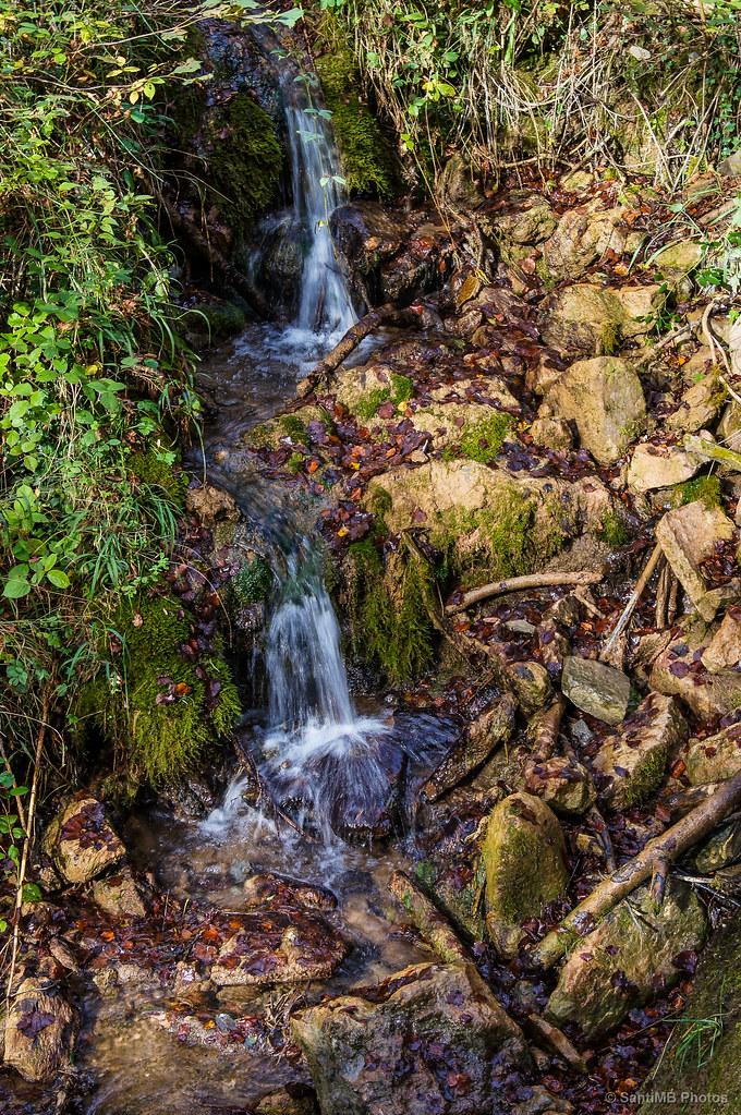 Cascada al principio del camino a la Grevolosa