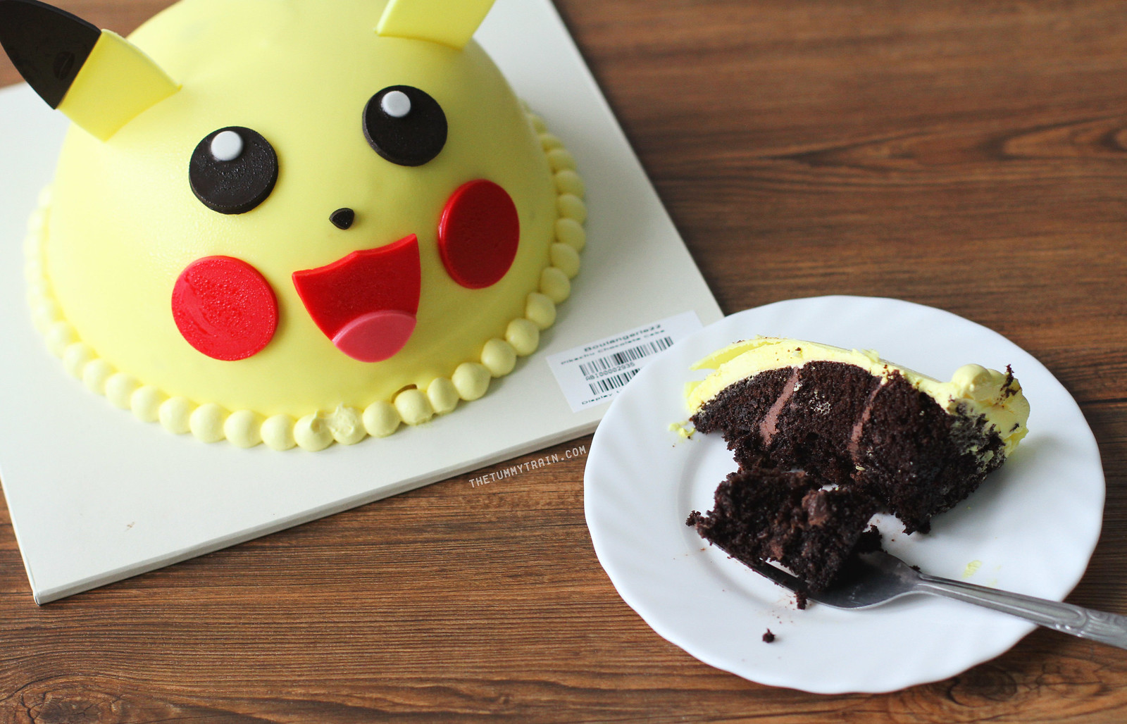 33149834822 80d89f1d10 h - Fuel your Pokemon Go craze with Boulangerie22 Pokemon Cakes
