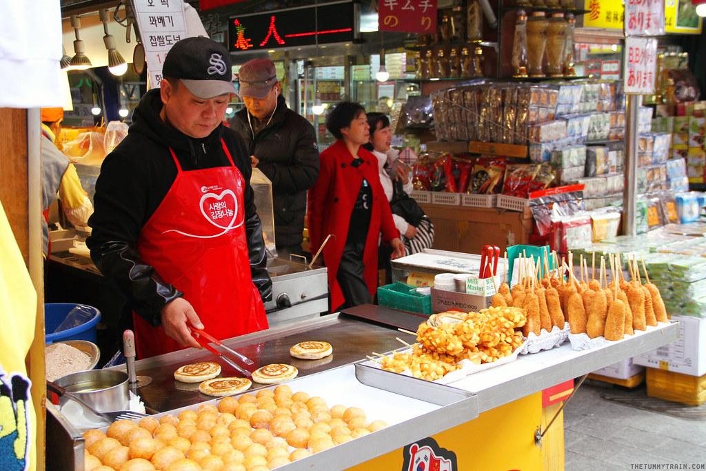 32728367294 a675d5c624 b - Seoul-ful Spring 2016: A quick morning run to Namdaemun Market