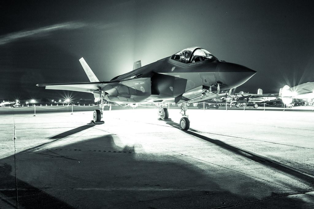 CEO da Lockheed diz a Trump que vai trabalhar para diminuir custo do F-35