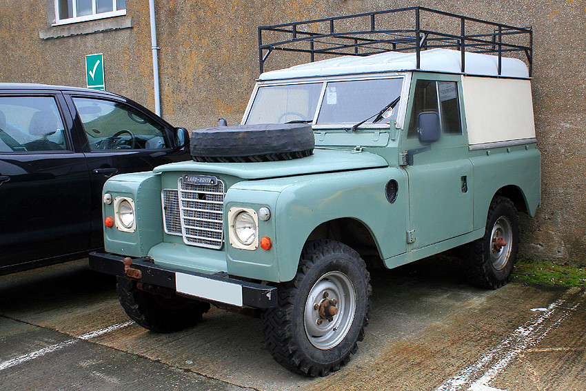 White Land Rover >> Land Rover 88 | 1967 Land Rover 88 (Series 11A) Land Rover. … | Flickr