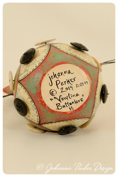 Vowlina-Buttonlove-signature2