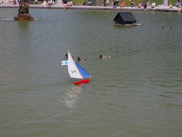Boat-racing at the Luxembourg Gardens