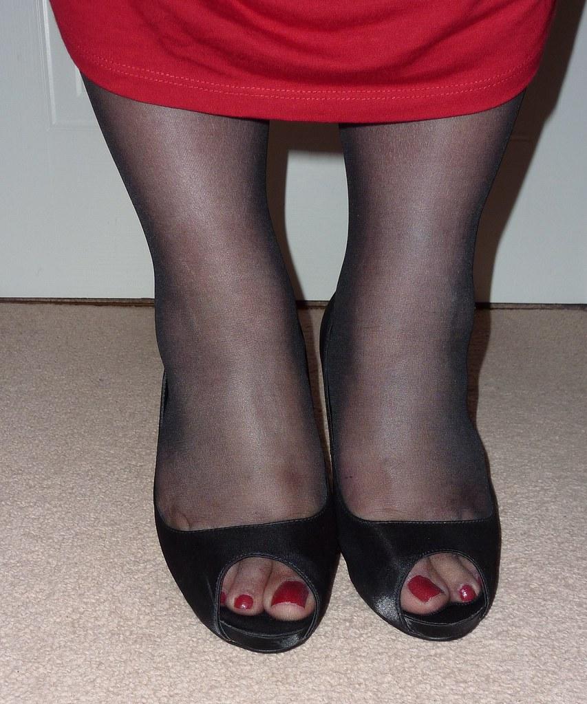 Peep Toe Whitr Bridal Shoe With Diamentes