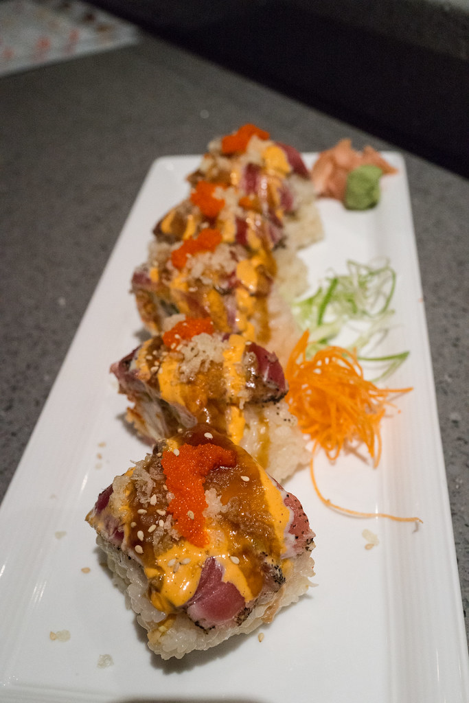 Sushi roll kasai japanese restaurant wadsworth oh for Adaro sushi pan asian cuisine