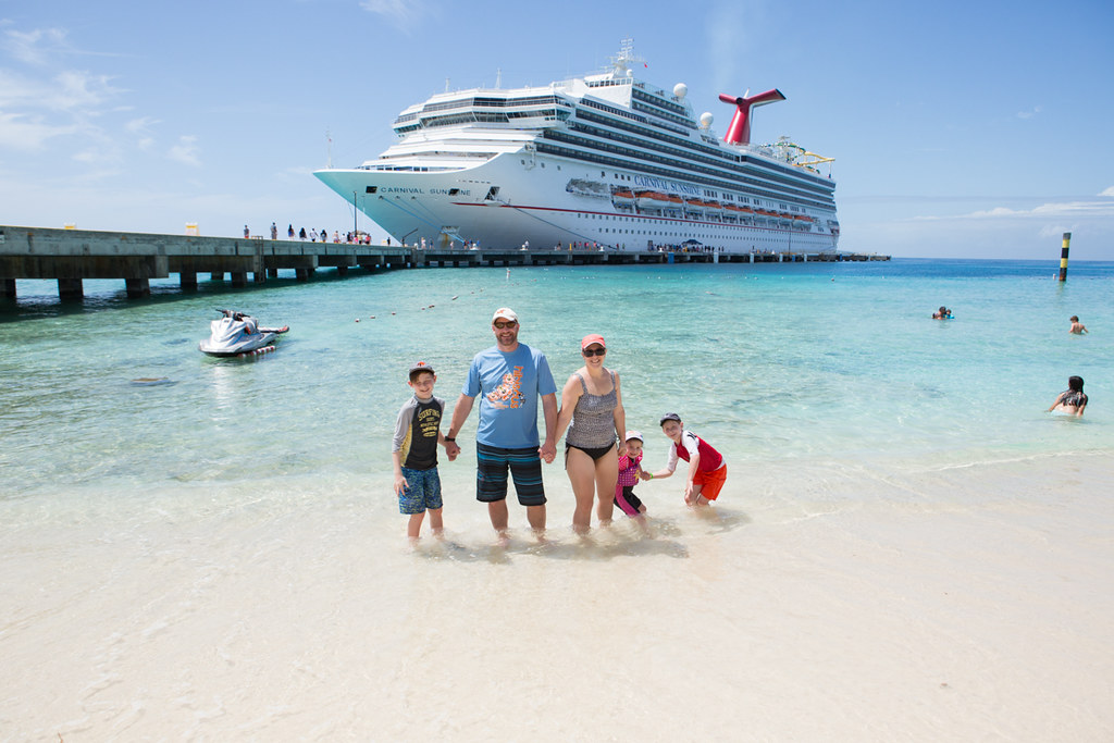 Family photo in Grand Turk with Carnival Cruise