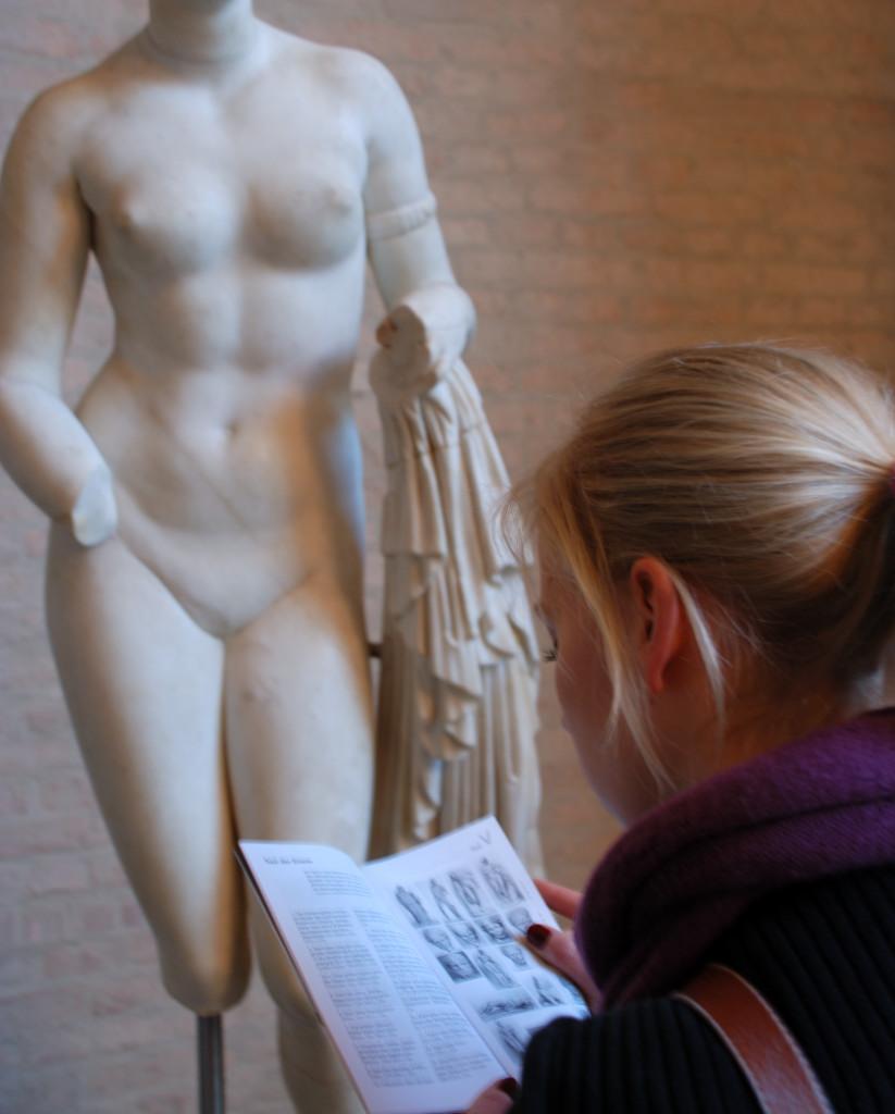 Stefan Hartl, Reading the visitor's information booklet, 10. Februar 2008