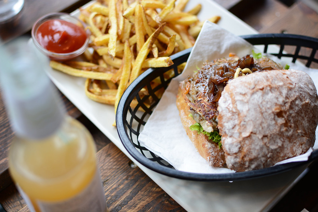 Omnom-Veggie-Burger
