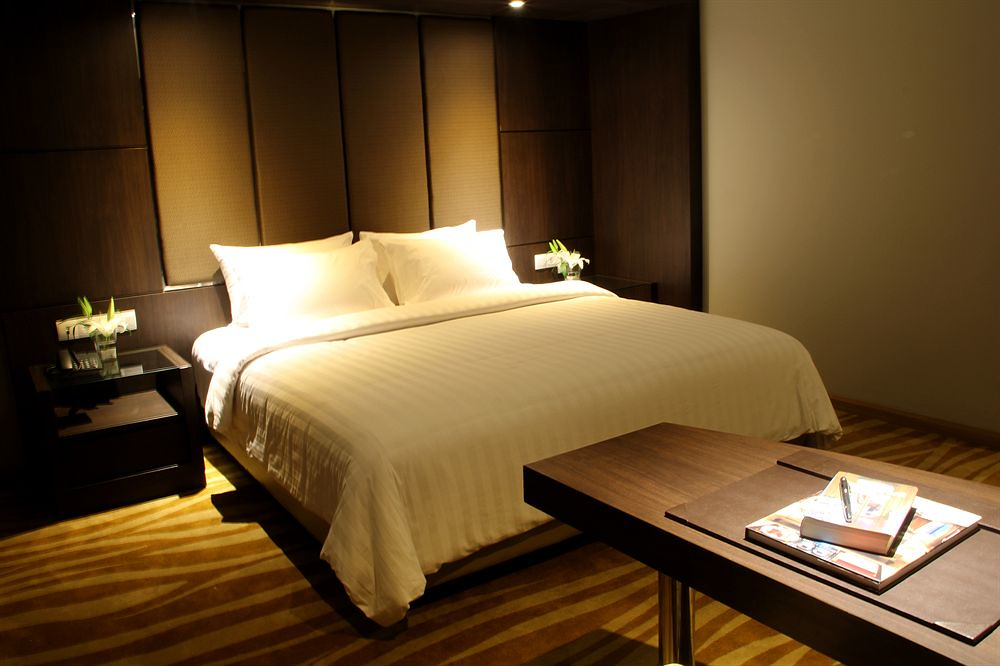6 HClarity-Room-Official-idhotels
