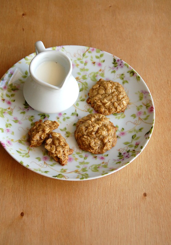 Oat, orange and ginger cookies / Cookies de aveia, laranja e gengibre