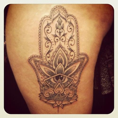 Hamsa Dotwork Hamsa Tattoos Ireland Ink Andresgomeztattooartist Dot Dotwork Body Art