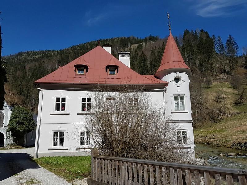 noch einmal das Haupthaus von der Seite