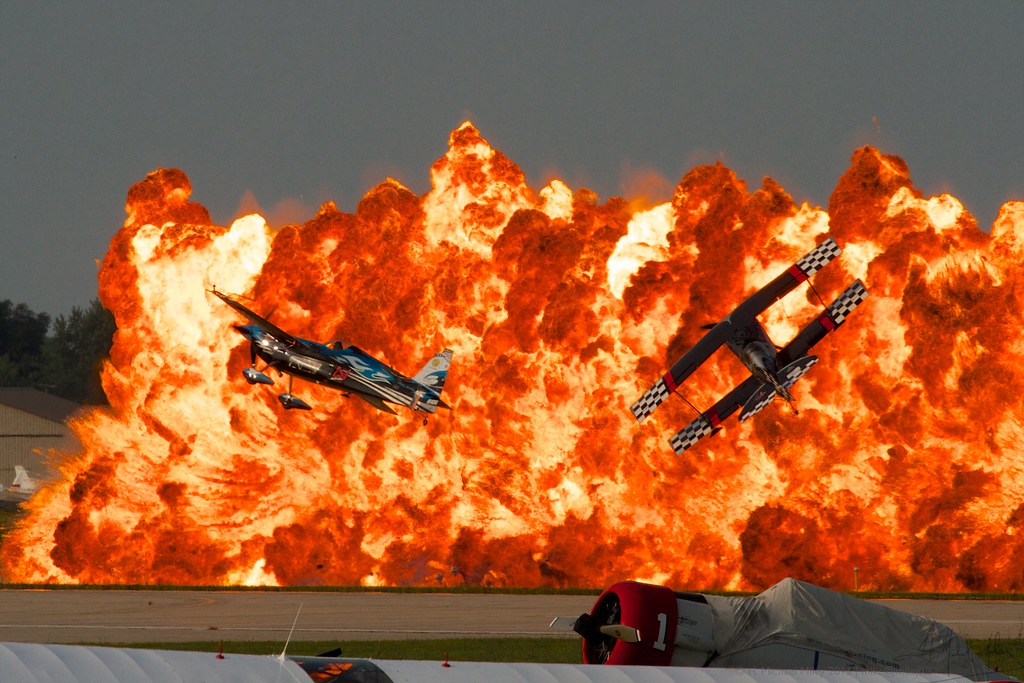 Wall Of Fire Airventure 2014 Melissa Pemberton And Skip