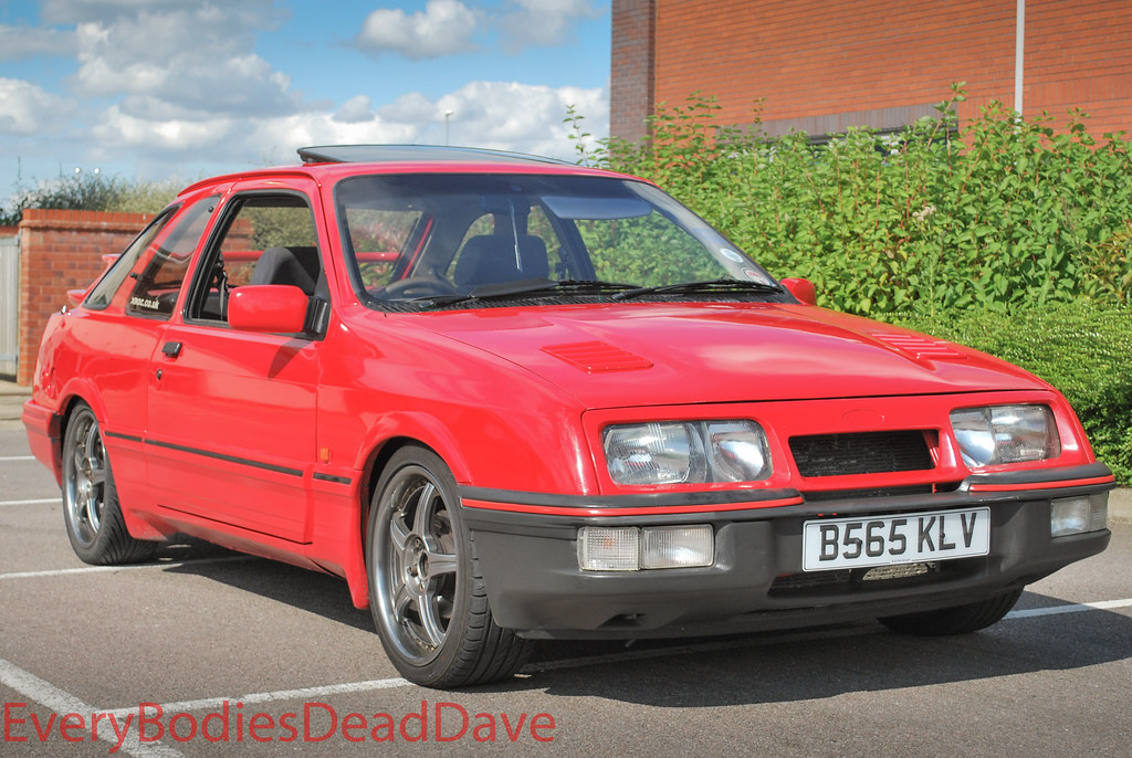 red ford sierra xr4i started its life as an white xr4i bu flickr. Black Bedroom Furniture Sets. Home Design Ideas