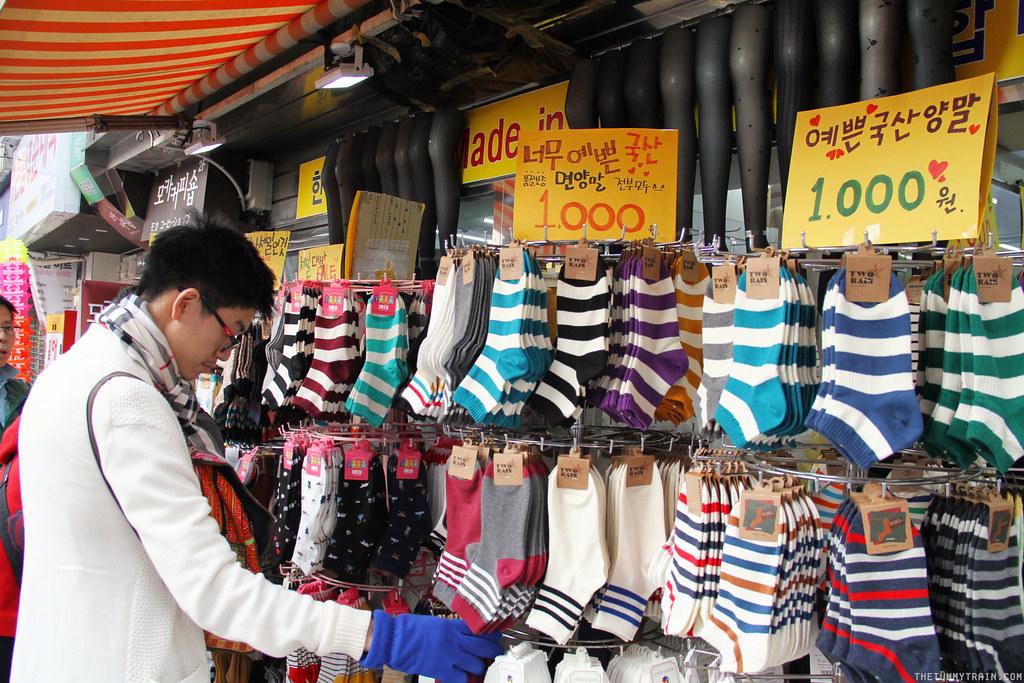 33571708395 3db14a7907 b - Seoul-ful Spring 2016: A quick morning run to Namdaemun Market