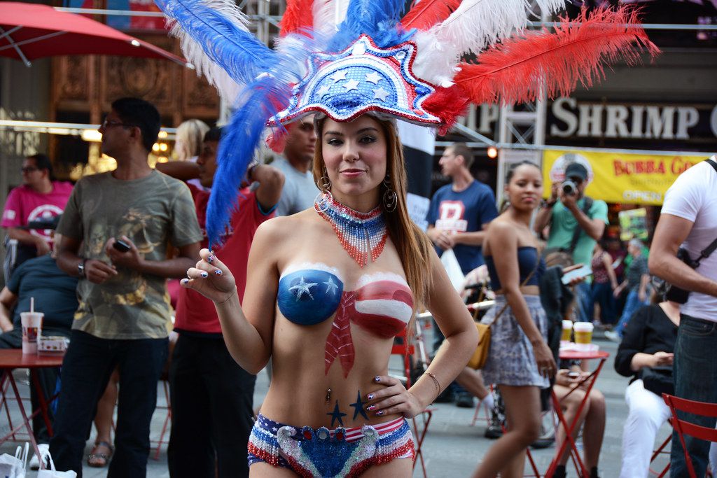 Women In Times Square In Nyc Wearing Only Body Paint Phot -6397