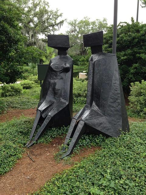 Lynn Chadwick, Sitting Figures (2)