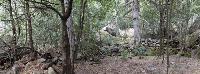 Arrivée aux vestiges de bergeries de la Cavichja RG