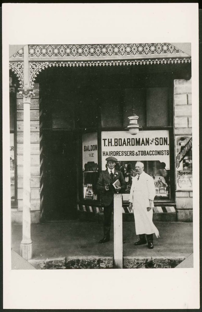 Boardman's Tobacconist, Mount Gambier, 1914 | B 19731 Two ...