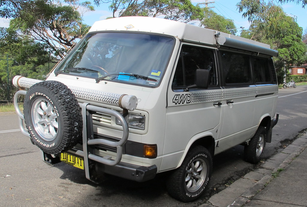 4wd Vw Kombi Transporter Waiting For Adventure Good