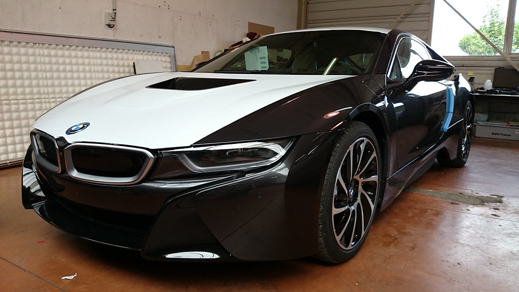 bmw i8 2014 360cv essence lectrique 0 100 en 4 4sec. Black Bedroom Furniture Sets. Home Design Ideas