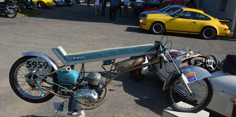 """Triumph 500 """" Les Triplettes de Bonneville """" 15301071626_0ef470c413_c"""