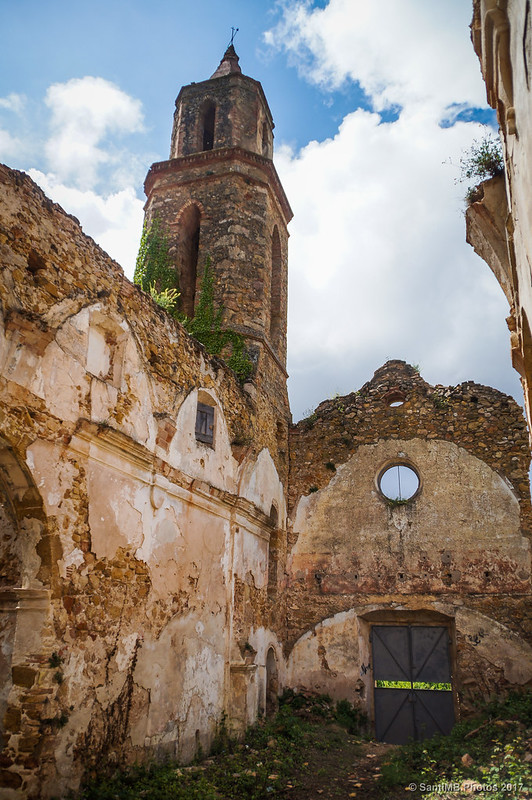 En el interior de Sant Miquel de Marmellar