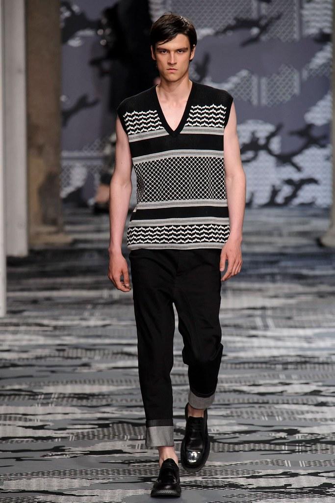 SS16 Milan Neil Barrett007_Vlad Blagorodnov(fashionising.com)