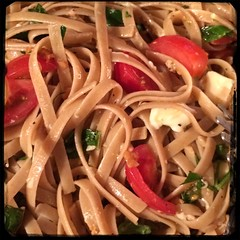 #PastaTuesday w/ fresh #Caprese e #Linguine