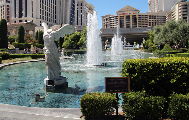 Outdoor fountains las vegas nv style for Little baja pottery las vegas