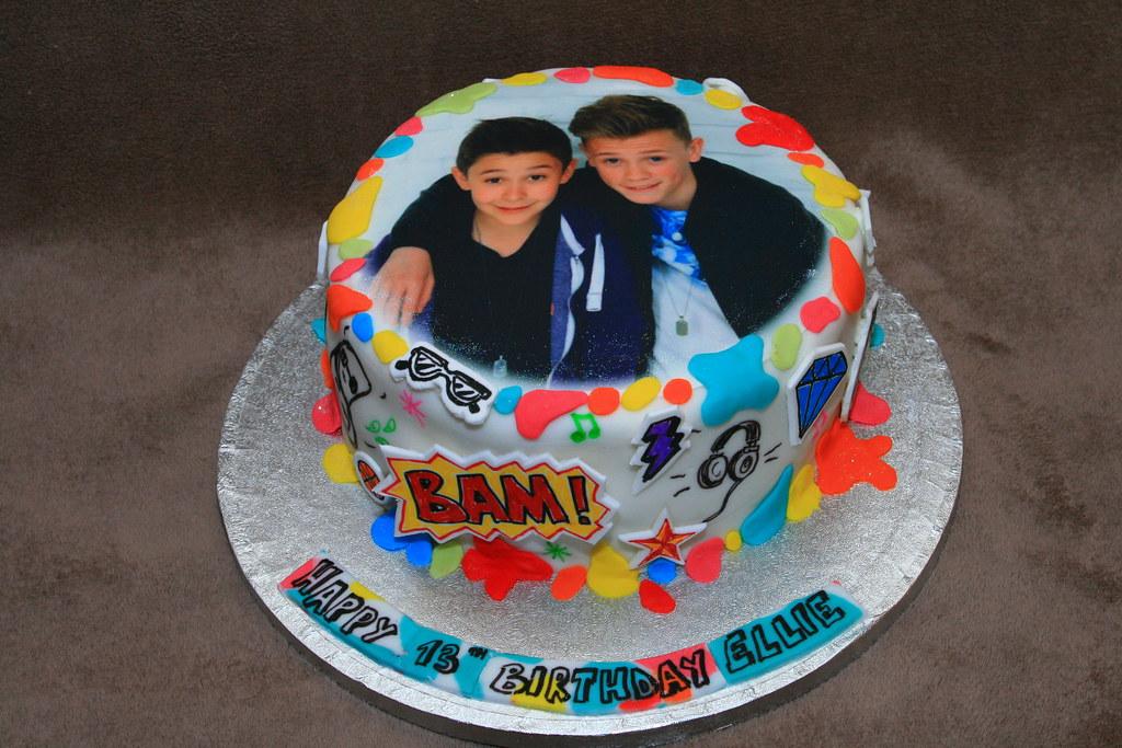 Wallpaper Birthday Cake Free Download