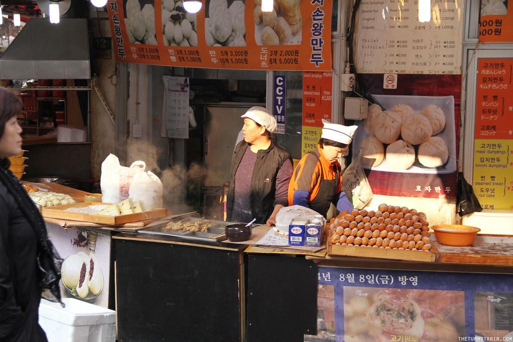 32757180413 3a9397e315 b - Seoul-ful Spring 2016: A quick morning run to Namdaemun Market